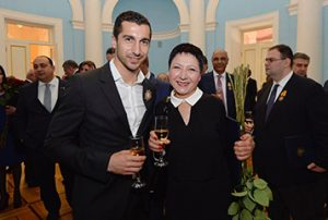 The President of Bridge of Hope with Henrikh Mkhitaryan at the Republic Day award ceremony